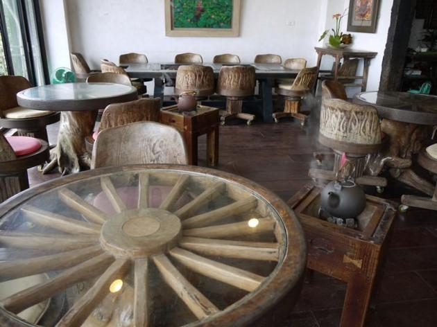 水心月茶坊のテーブル