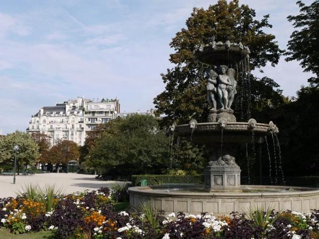 シャンゼリゼ通りにある公園